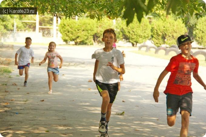 Тренировки и упражнения: Беговая тренировка на стадионе школы №7