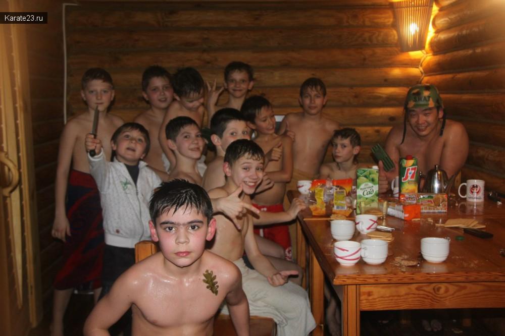 юноши в бане